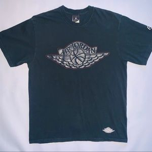 Vintage jordan wings logo t shirt mens large